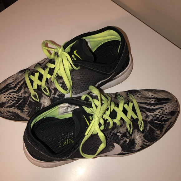 best authentic e8f14 64e81 Nike Free Run TR Fit 5 Neon Chartreuse Sneakers